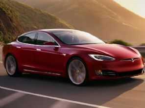 Após problemas em seus modelos, Tesla diz que chineses não sabem dirigir