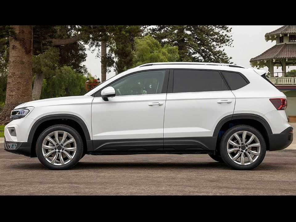 Acima o VW Taos levemente camuflado que será vendido nos EUA