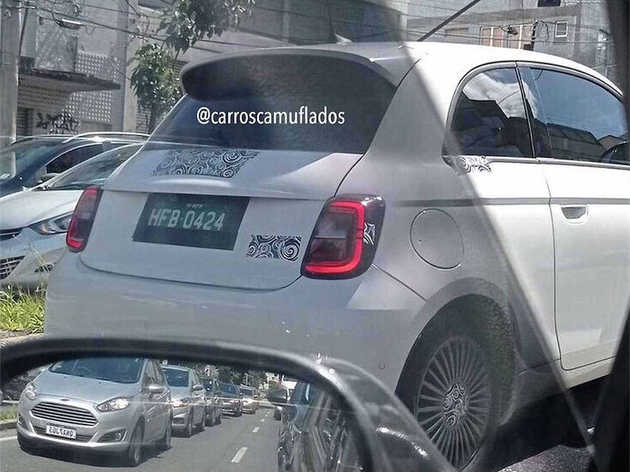 Flagra do novo Fiat 500 em teste no Brasil