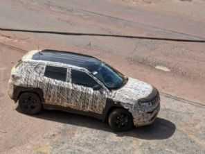 Novo Jeep Compass 2022 é flagrado em testes na terra