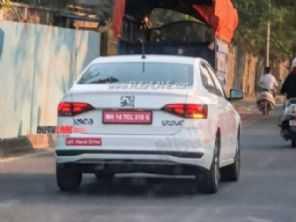 Volkswagen Virtus é flagrado na Índia e pode virar um Skoda