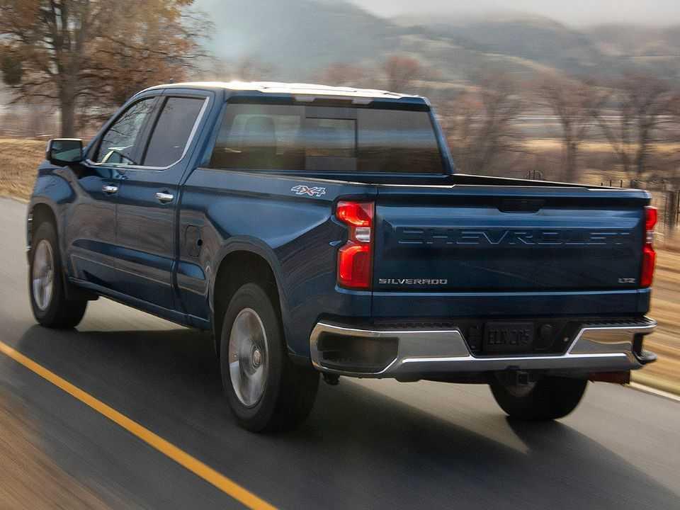 Chevrolet Silverado em uma de suas configurações com motor 3.0 Duramax turbodiesel