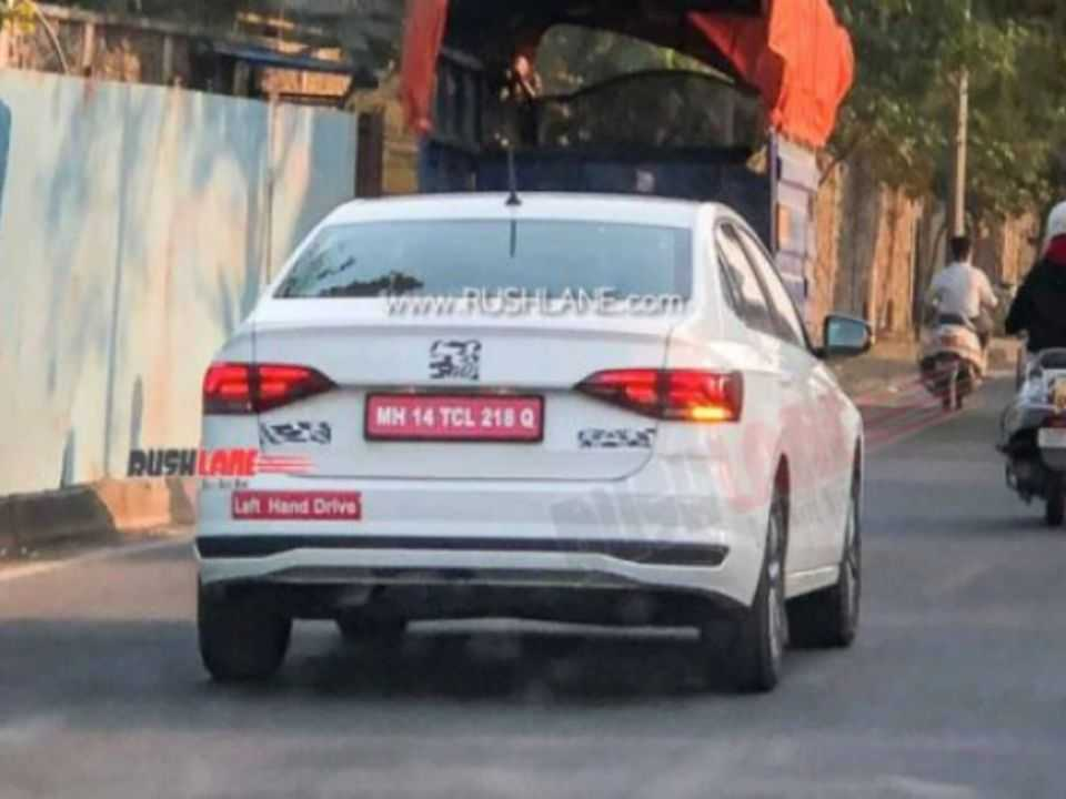 Flagra mostra VW Virtus em testes na Índia