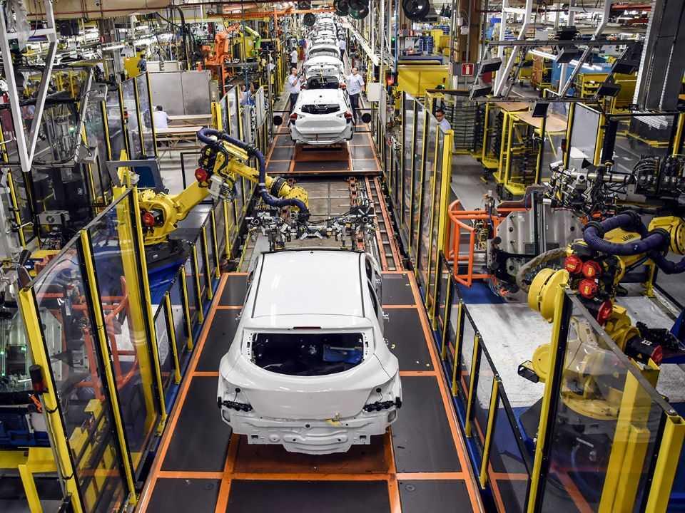 Linha de montagem da GM