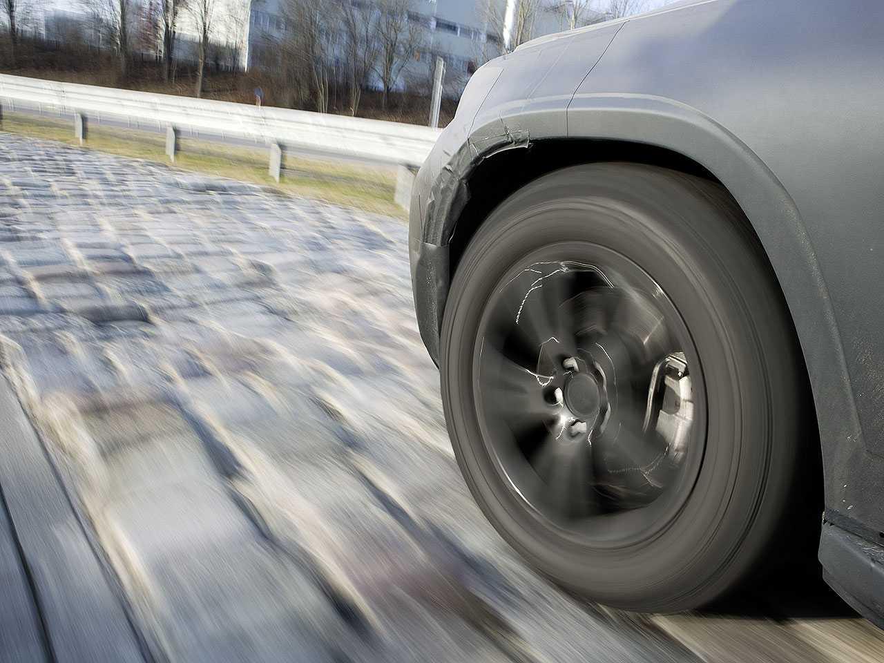 Tecnologia permitirá que o motorista evite buracos e outras imperfeições do piso