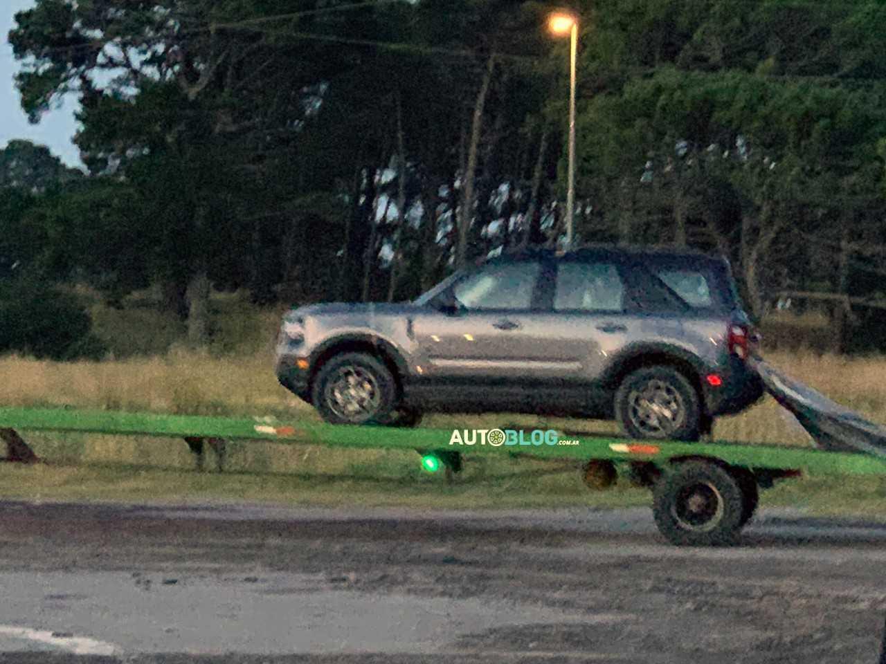 Flagra mostra Ford Bronco Sport na Argentina
