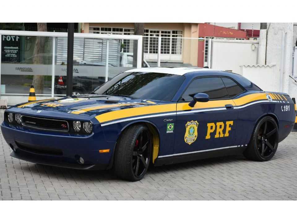 Em 2019, a Polícia Rodoviária Federal passou a usar um Dodge Challenger também apreendido