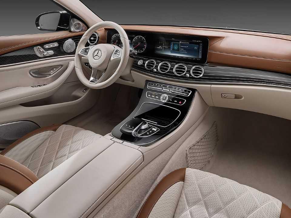 Interior dos automóveis novos contém químicos que se dispersam pelo ar
