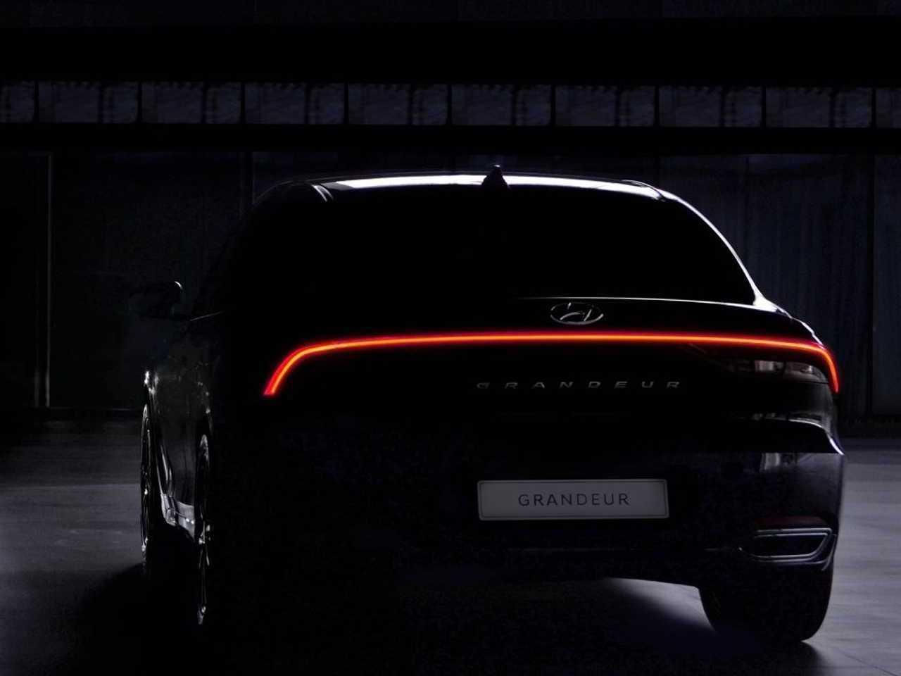 HyundaiAzera 2020 - traseira