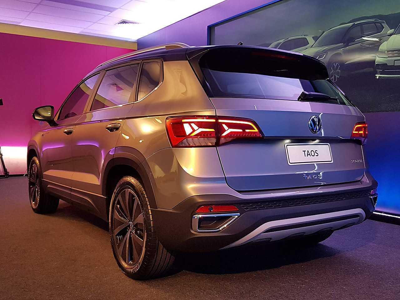 VolkswagenTaos 2022 - ângulo traseiro