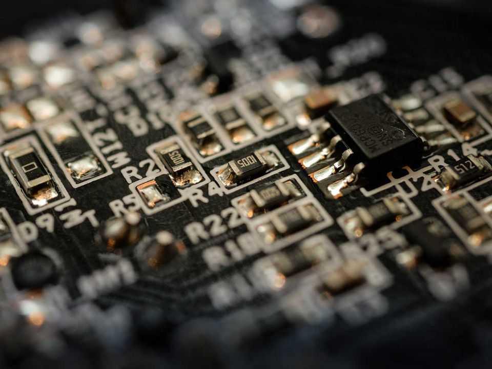 Escassez de semicondutores está afetando duramente o setor automotivo global