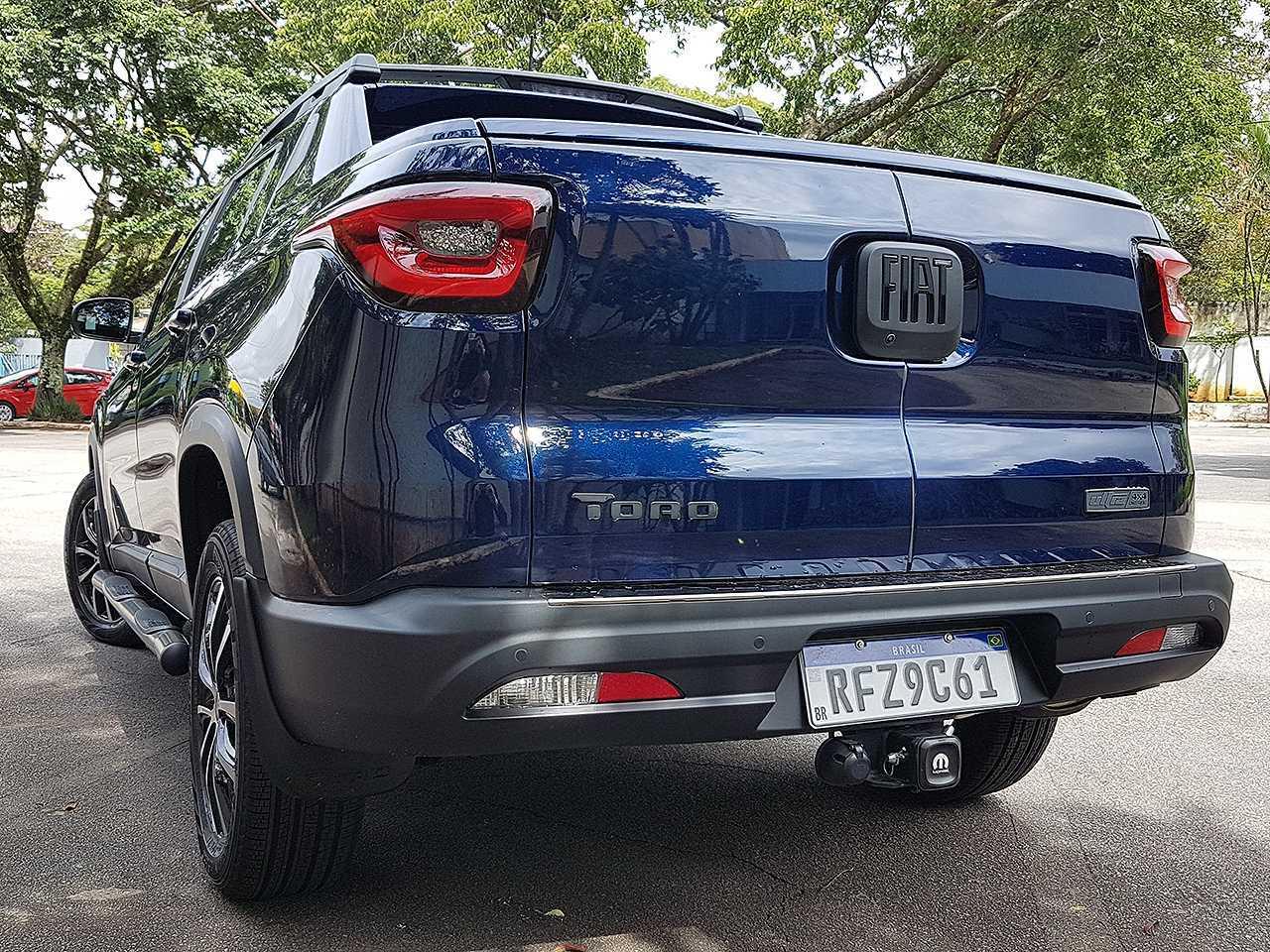 FiatToro 2021 - ângulo traseiro