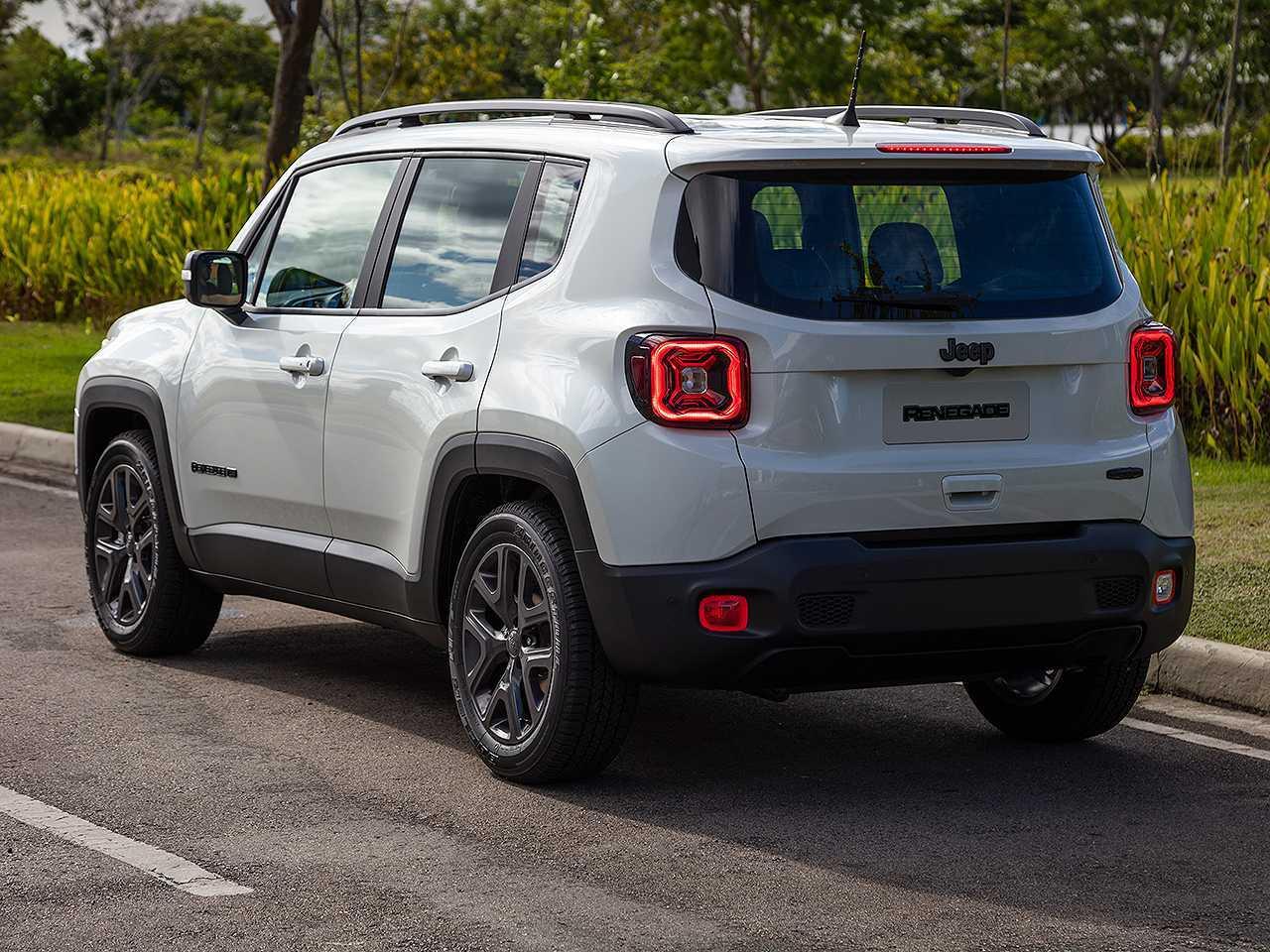 JeepRenegade 2022 - ângulo traseiro