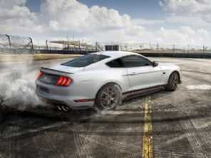 Sai o Black Shadow, entra o Mach 1: Ford Mustang de R$ 500 mil chega ao Brasil