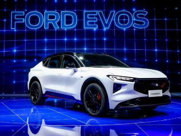 Ford Evos: sucessor do Fusion começa a dar as caras