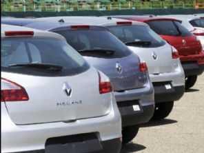 França investiga Renault e Stellantis por eventual fraude em emissões