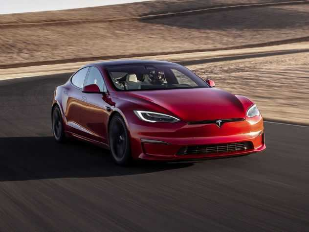 Superando 1.000 cv, Tesla lança seu modelo mais rápido e desafia Porsche