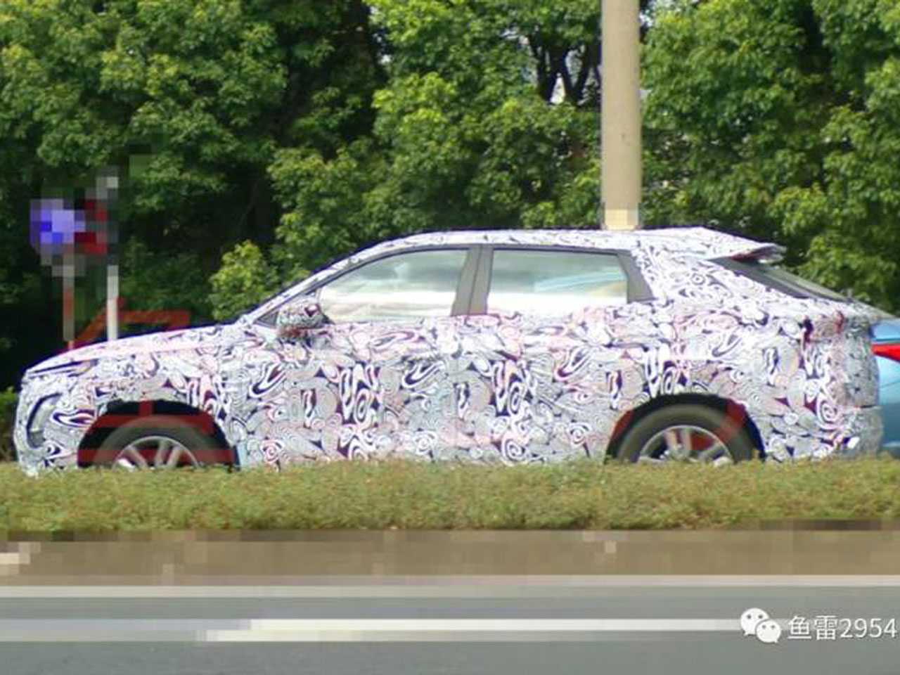 Flagra do Chery XC, como é conhecido até o momento o SUV-cupê da marca chinesa