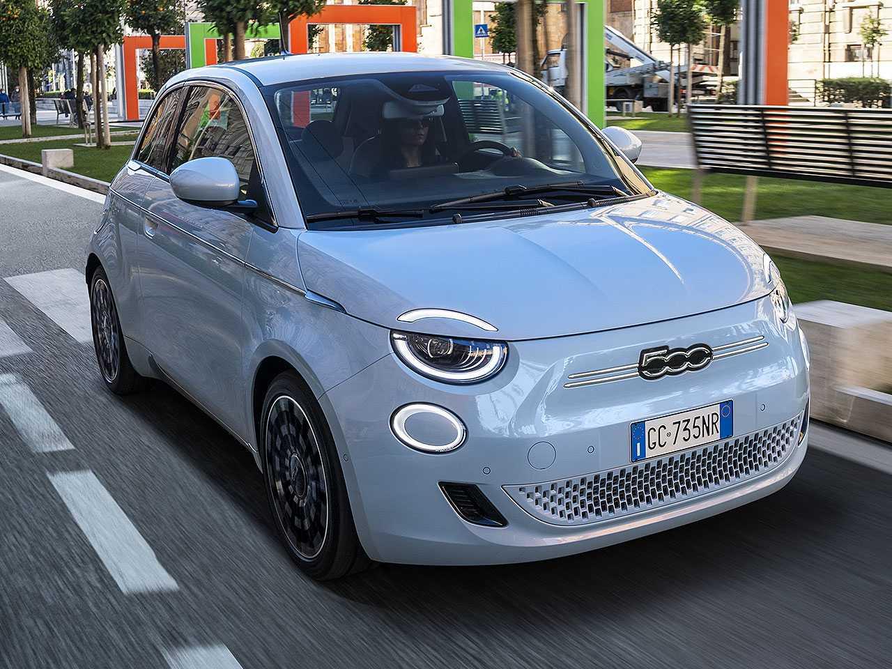 Novo Fiat 500: modelo inicia a eletrificação da marca no Brasil