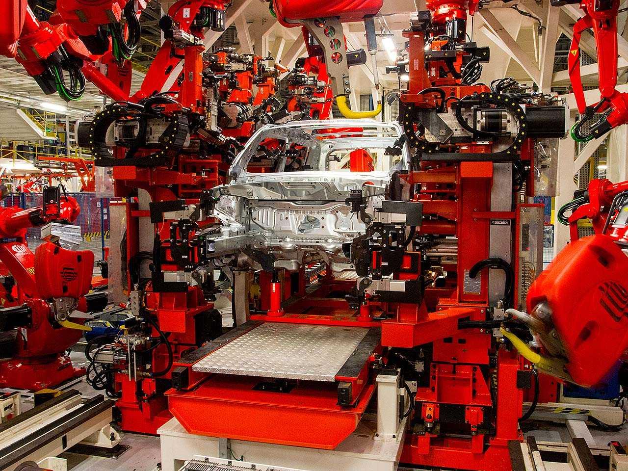 Segundo Anfavea, em torno de 100 mil a 120 mil veículos deixaram de ser produzidos no Brasil no 1º semestre
