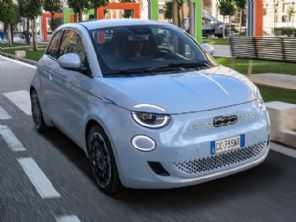 Fiat confirma estreia do 500 elétrico no Brasil