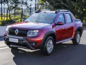 Flagras confirmam: Renault prepara facelift da Duster Oroch
