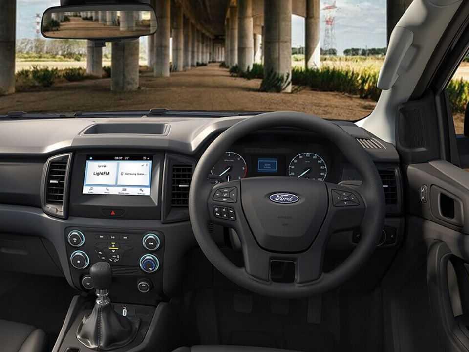 Interior da Ford Ranger XL Street Special Edition lançada na Tailândia