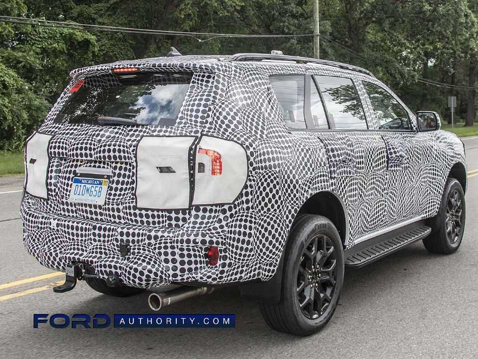 Flagra da nova geração do Ford Everest/Endeavour em teste