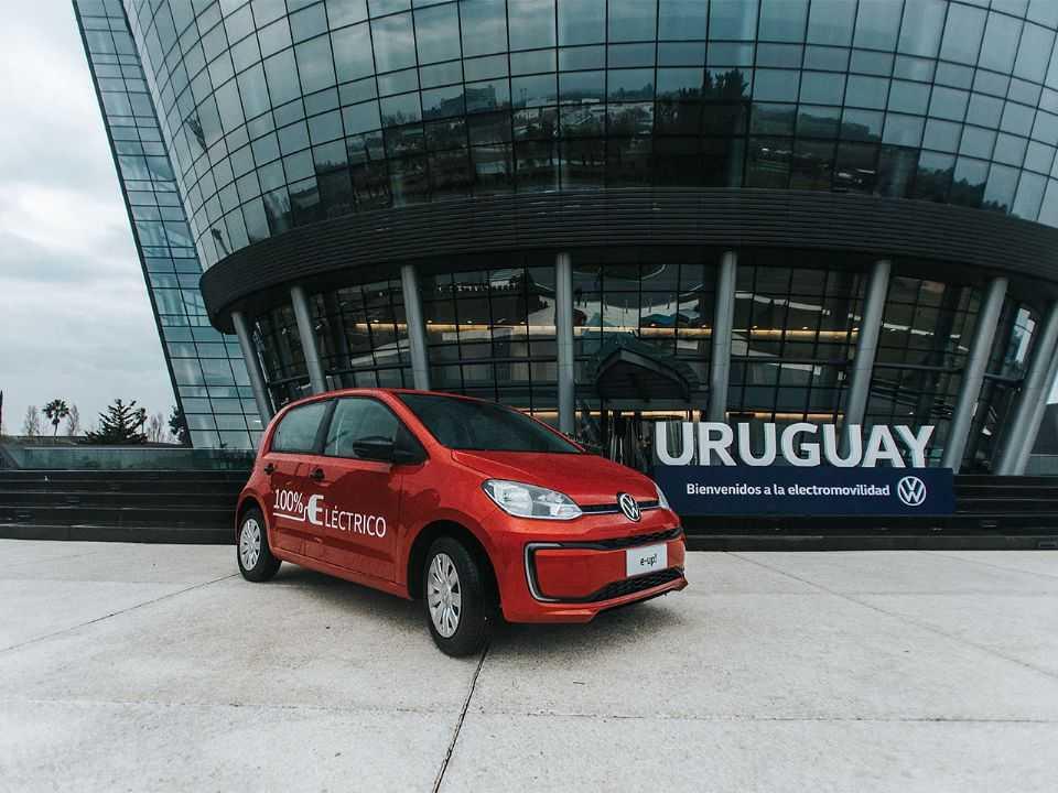 Detalhe do VW e-up! apresentado no Uruguai: primeiro modelo 100 elétrico da marca na região