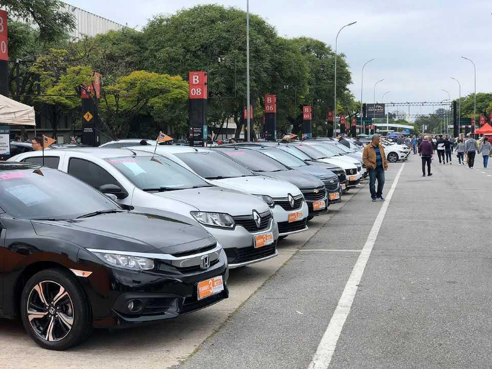 Optar por um usado é a solução hoje em dia para quem precisa de um carro a pronta entrega